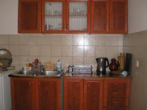 Vila Skocidjevojka, Apartmanok  Petrovac na Moru - big - 2