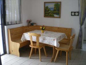 Vila Skocidjevojka, Apartmanok  Petrovac na Moru - big - 8