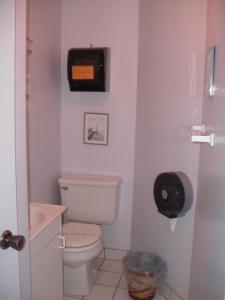 双床间 - 带私人浴室 - 地下室