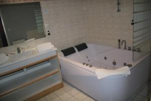 Inter-Hotel Saint-Malo Belem, Отели  Сен-Мало - big - 35