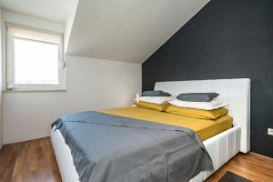 Apartment Tin, Appartamenti  Kaštela - big - 9