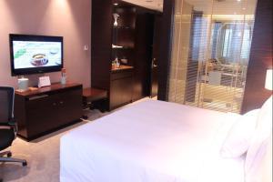 Riviera Hotel Ningbo, Hotely  Ningbo - big - 4