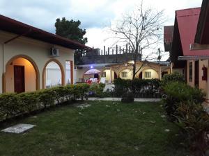 Salamandra's Suites and Hotel
