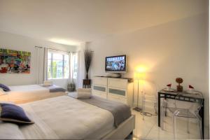 Premier Studio Apartment with City View