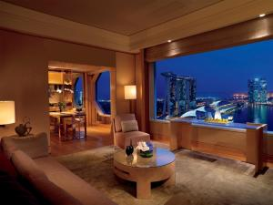 1-Bedroom Millenia Suite with Marina Bay view
