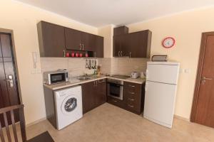 Apollon Apartments, Апартаменты  Несебр - big - 10