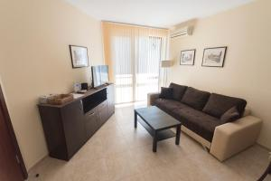 Apollon Apartments, Апартаменты  Несебр - big - 63