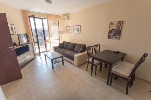 Apollon Apartments, Апартаменты  Несебр - big - 65