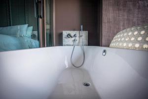Saturdays Exclusive Apartment By Rents In Phuket, Ferienwohnungen  Rawai Beach - big - 65