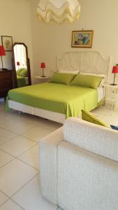 B&B Massico Apartments, Bed and breakfasts  Sant'Agnello - big - 31