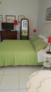 B&B Massico Apartments, Bed and breakfasts  Sant'Agnello - big - 32