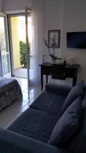 B&B Massico Apartments, Bed and breakfasts  Sant'Agnello - big - 36