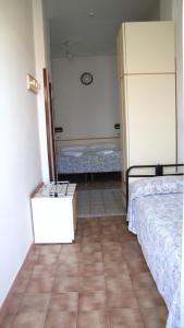 Hotel Vienna, Отели  Габичче-Маре - big - 2