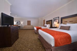 Queen Room with Two Queen Beds High Floor - Non-Smoking