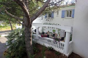 Le Sarac Hotel & Business