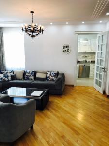 White Apartment, Appartamenti  Batumi - big - 7