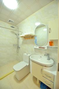 Zhaoxiahong Art hotel, Проживание в семье  Wujiaqiao - big - 178