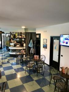 Hotel Antonella, Hotely  Malcesine - big - 23