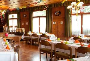 Hotel Rothorn, Hotely  Schwanden - big - 32