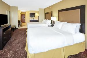 Holiday Inn Express & Suites Sandusky, Отели  Сандаски - big - 10