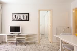 Résidence Fleurie YourHostHelper, Apartments  Cannes - big - 11