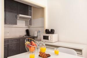 Résidence Fleurie YourHostHelper, Apartments  Cannes - big - 6