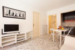 Résidence Fleurie YourHostHelper, Apartmány  Cannes - big - 19