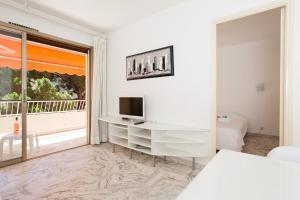 Résidence Fleurie YourHostHelper, Apartments  Cannes - big - 16