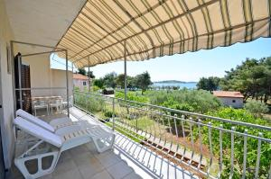 Apartments Marija, Apartments  Vodice - big - 8