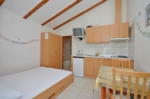 Apartments Marija, Apartments  Vodice - big - 6