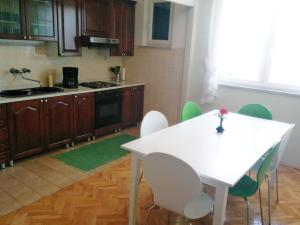 Apartment Ana, Apartmanok  Brodarica - big - 6