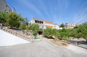 Apartments Slobodan, Apartmanok  Trogir - big - 1