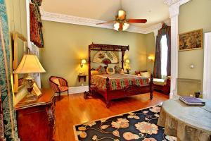 Southern Mansion, Bed and breakfasts  Cape May - big - 3