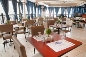 Fernandina 88 Suites Hotel, Отели  Манила - big - 27
