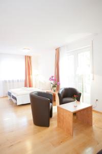Hotelpension zum Gockl, Гостевые дома  Аллерсхаузен - big - 6