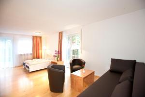 Hotelpension zum Gockl, Гостевые дома  Аллерсхаузен - big - 5