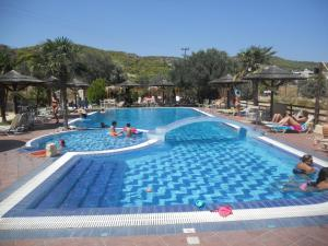Angela Hotel, Hotely  Agia Marina Aegina - big - 9
