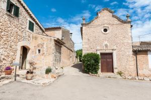 Montserrat, Villas  Costitx - big - 9