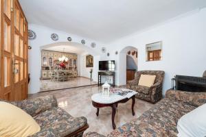 Montserrat, Villas  Costitx - big - 21