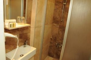 Quarante Teras - Adult Only, Privatzimmer  Bozcaada - big - 19
