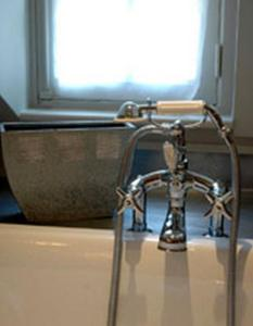 Au Grey d'Honfleur, Bed & Breakfasts  Honfleur - big - 5