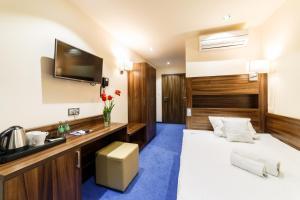 Hotel Sanvit Lake Resort & Spa