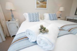 Rom Luxury med king-size-seng eller 2 enkeltsenger og sjøutsikt