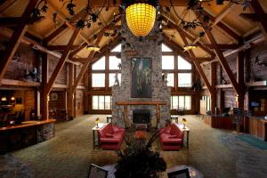 Hope Lake Lodge and Indoor Waterpark