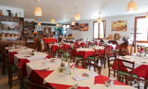 Trattoria Al Gallo, Pensionen  Bran - big - 44