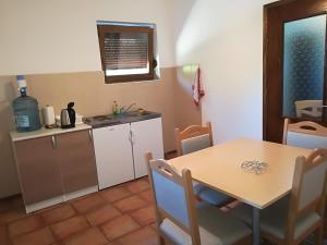 Guesthouse Bubalo, Affittacamere  Drežnik Grad - big - 18