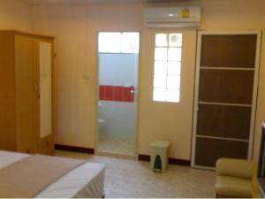 Dvoulůžkový pokoj s manželskou postelí a výhledem