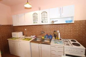 Apartments Antoneta, Апартаменты  Макарска - big - 47