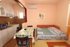 Apartments Antoneta, Апартаменты  Макарска - big - 45