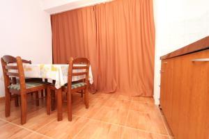 Apartments Antoneta, Апартаменты  Макарска - big - 20
